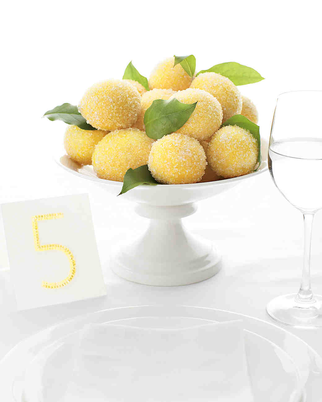 lemon-centerpiece-mwd108262.jpg