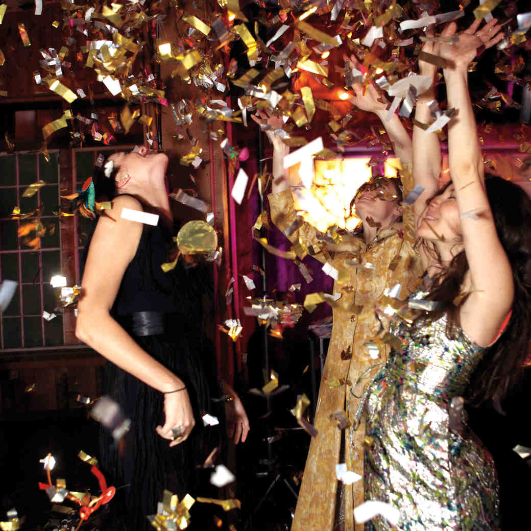 What You Really Need to Know About Hosting a New Year's Eve Wedding