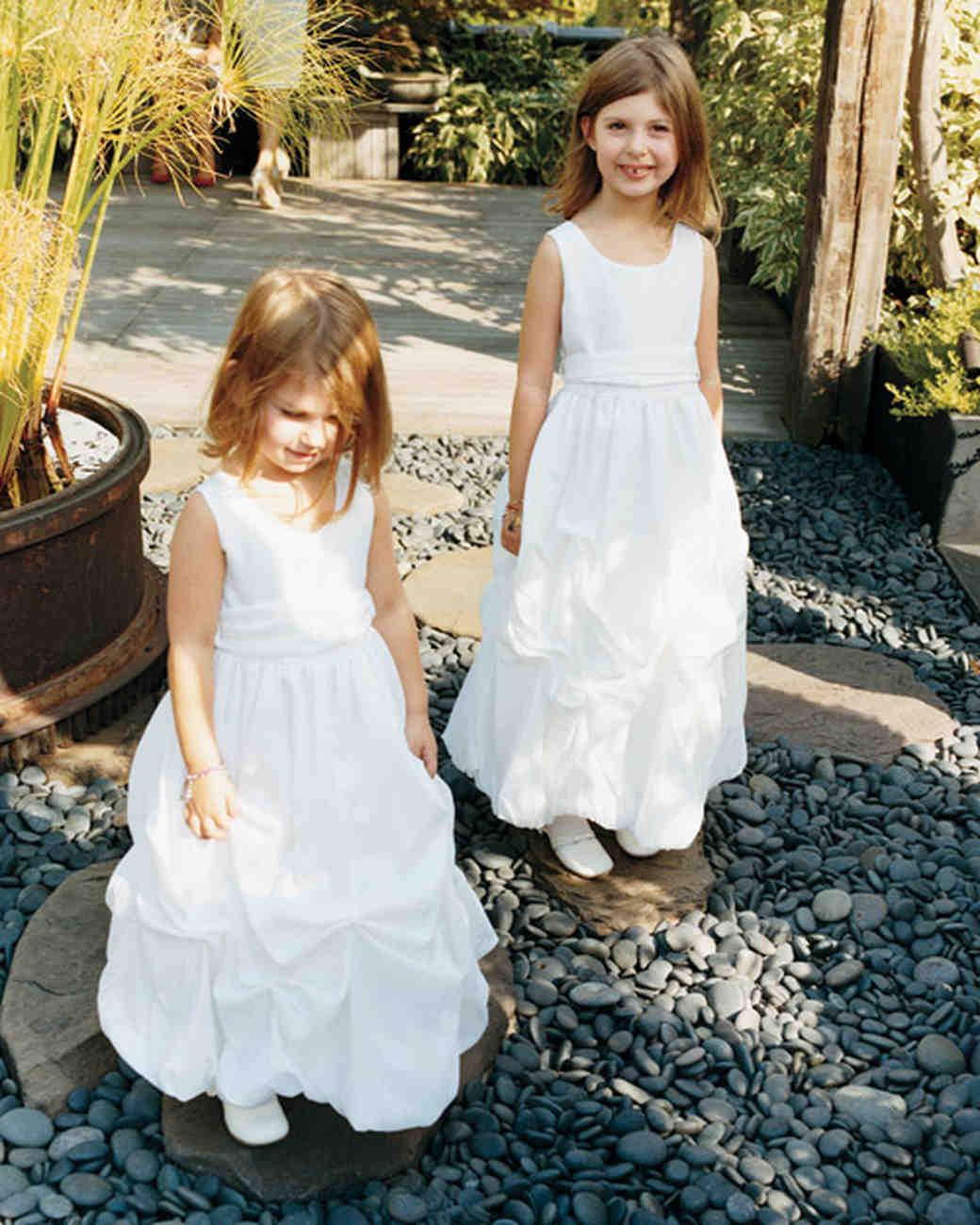 mwa104329_spr10_flowergirls.jpg