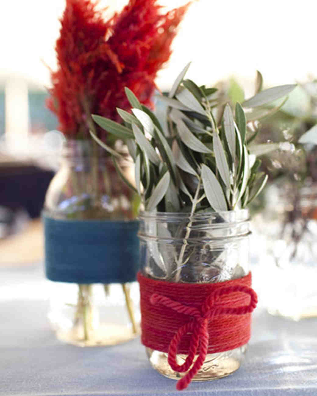 Affordable Wedding Centerpieces That Don T Look Martha Stewart Weddings