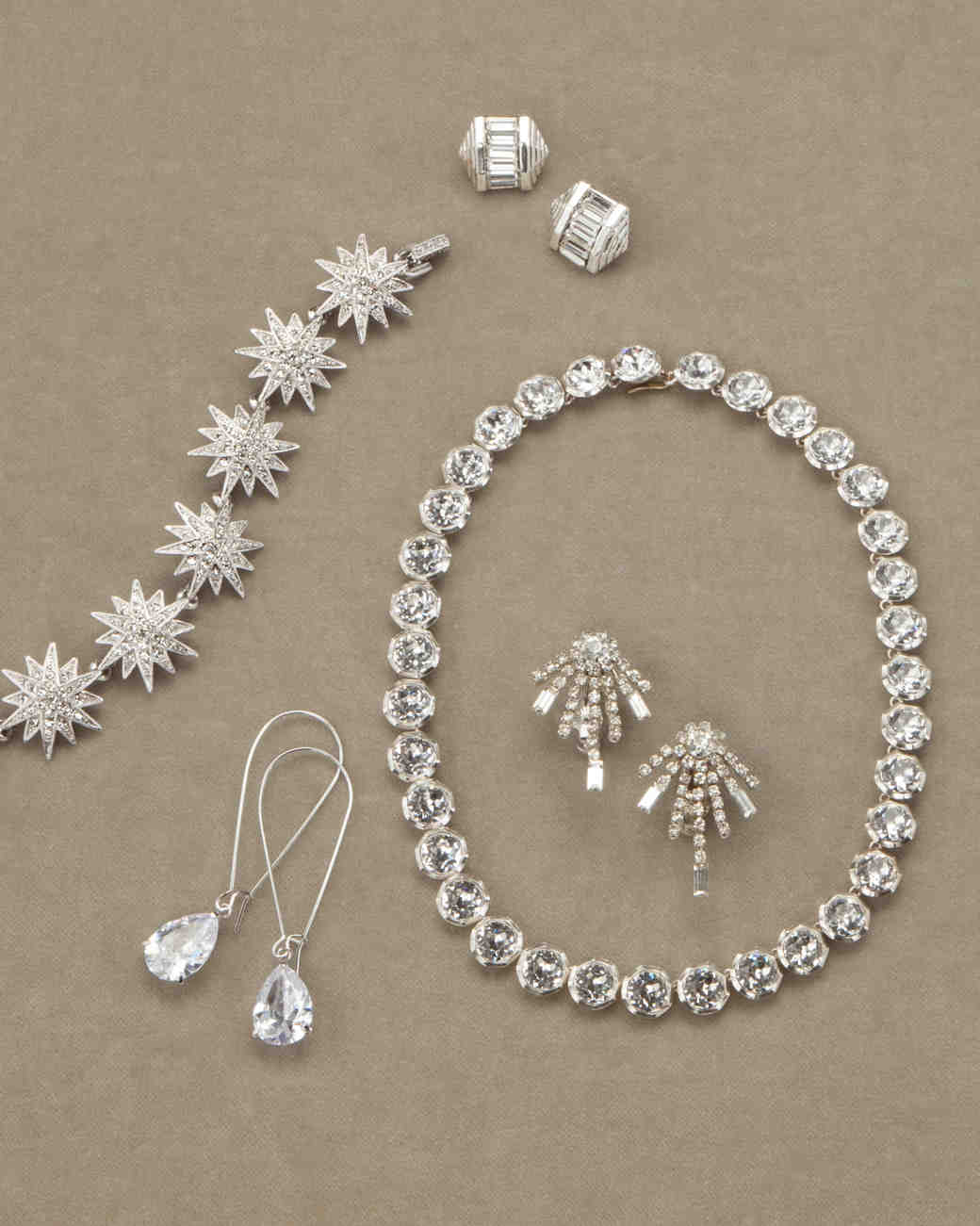 costume-jewelry-d110663-0800.jpg