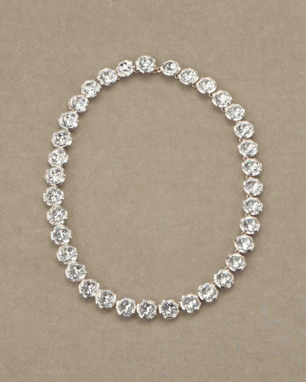 costume-jewelry-d110663-0804.jpg