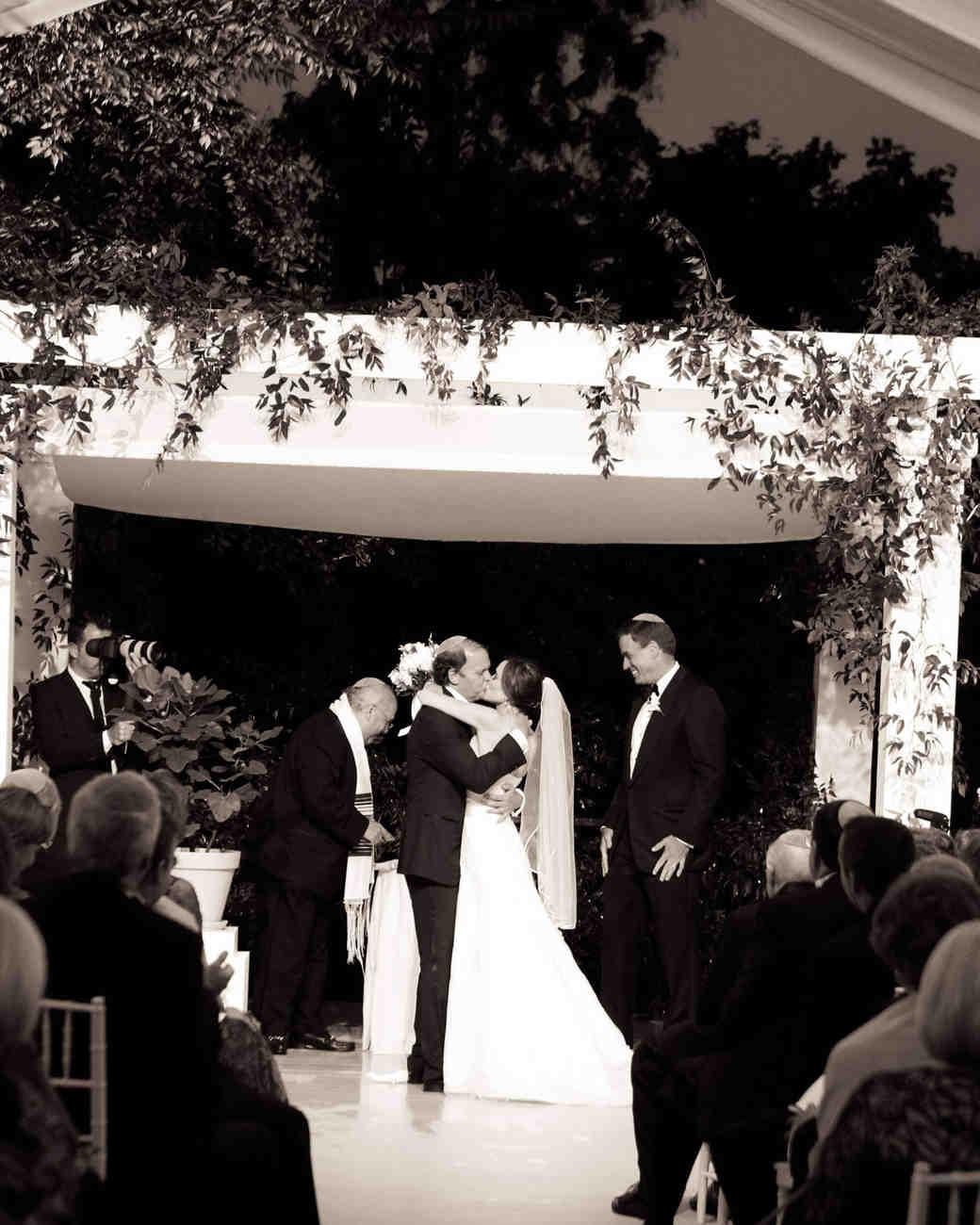 sally-mark-wedding-kiss-0414.jpg