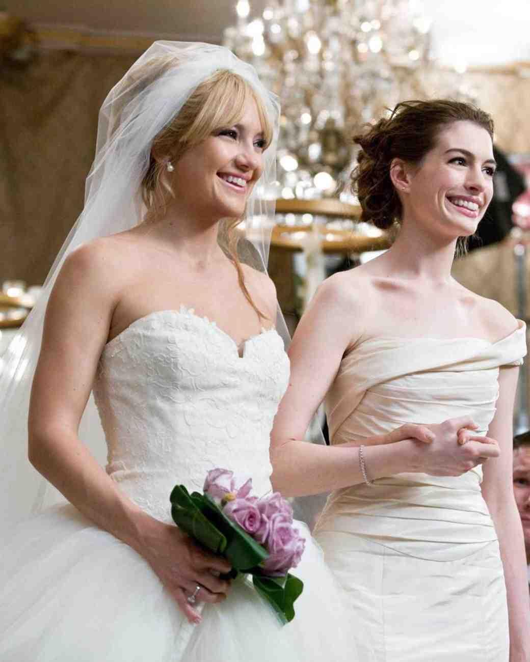 bride-wars-wedding-dress-0515