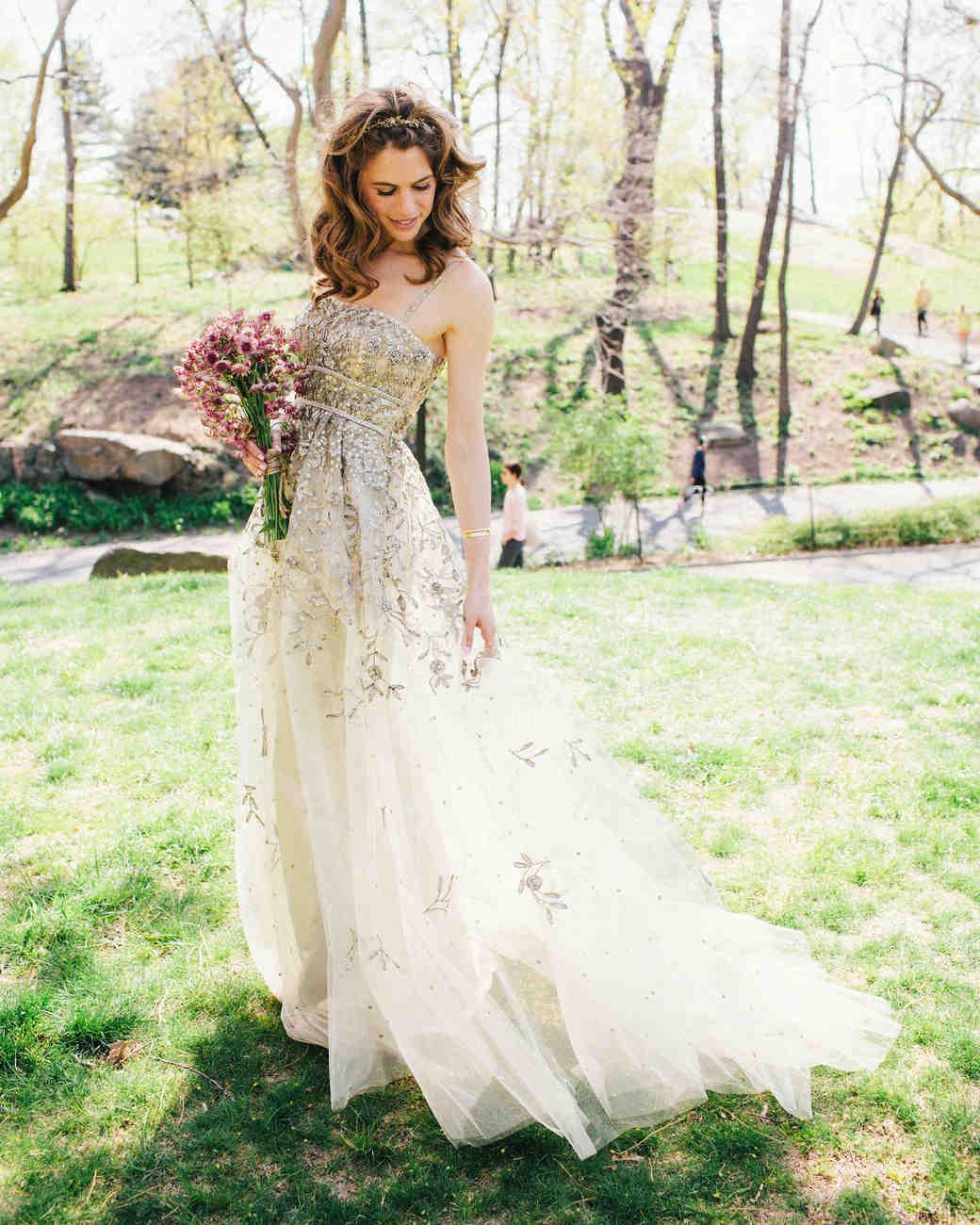 16 Gorgeous MediumLength Wedding Hairstyles Martha Stewart Weddings