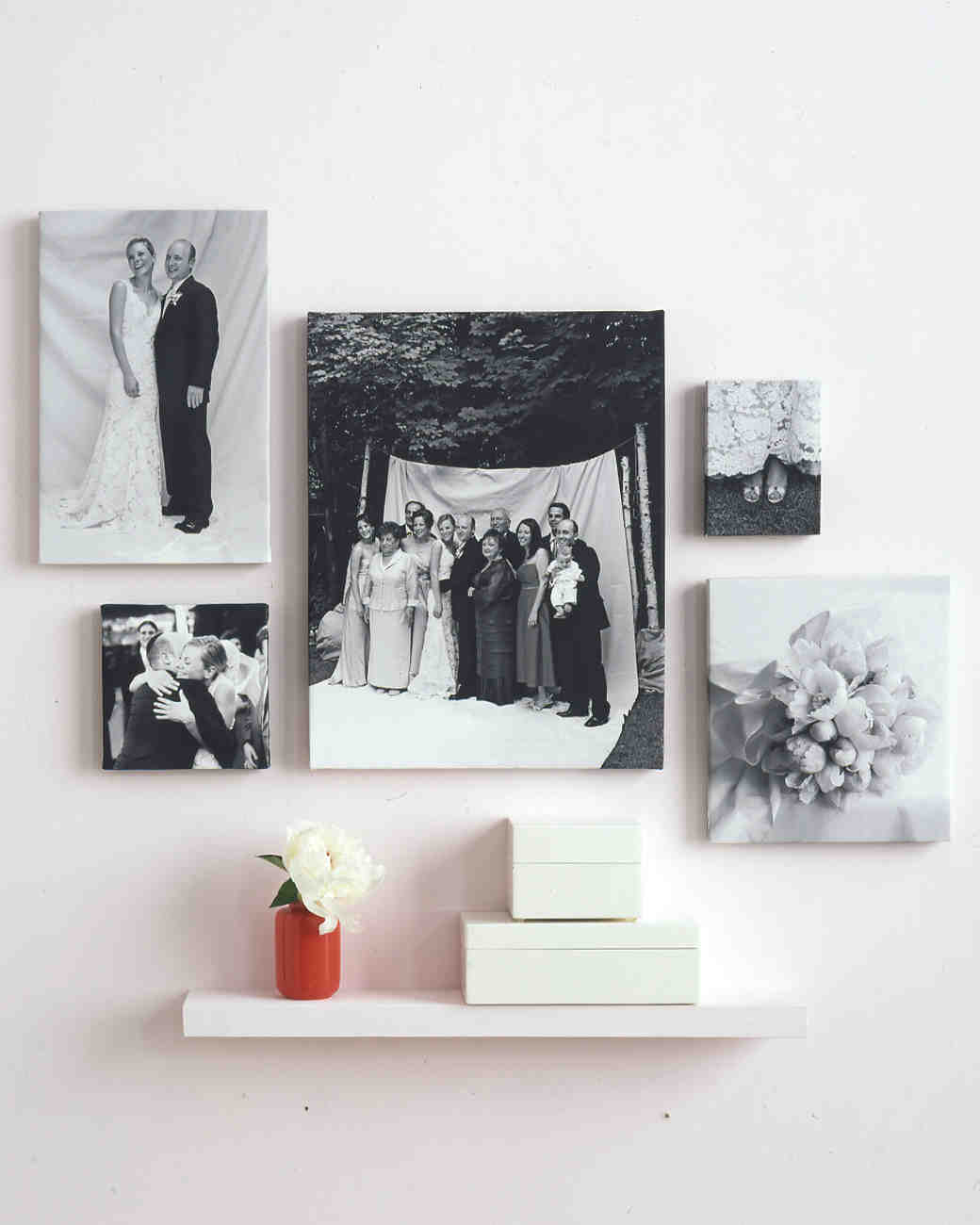 29 creative ways to display photos at your wedding for How to display picture frames on a table