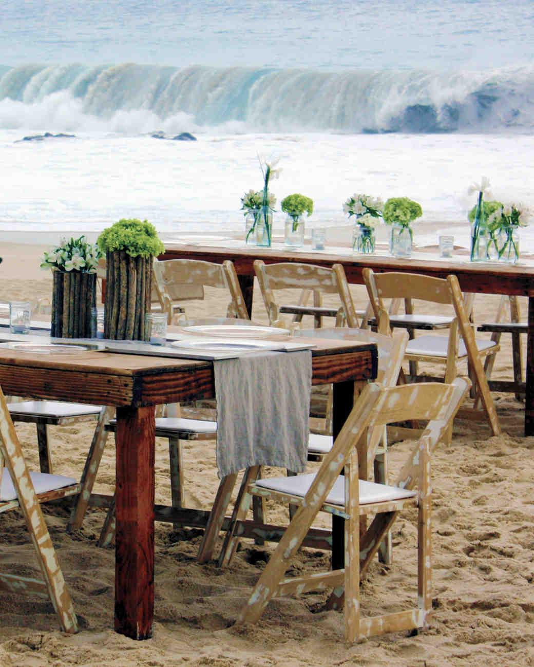 tables-beach-waves-mwds108363.jpg