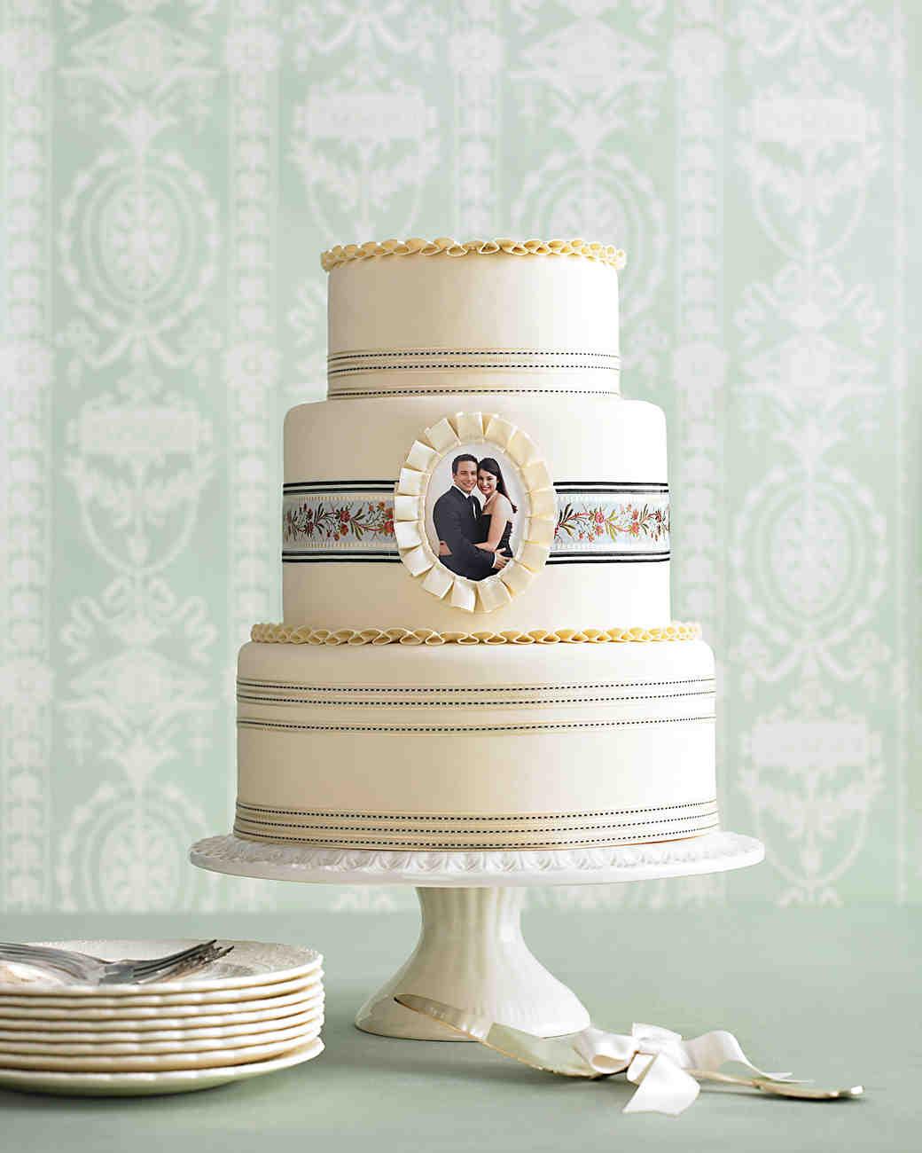 bow-cakes-mwd104142-photo-0515.jpg