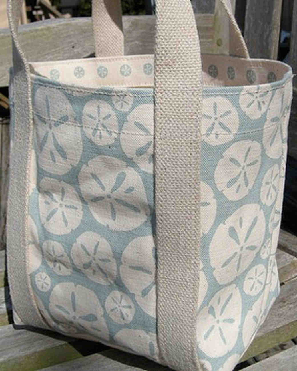 etsy_willywaw_sand_dollar_tote.jpg