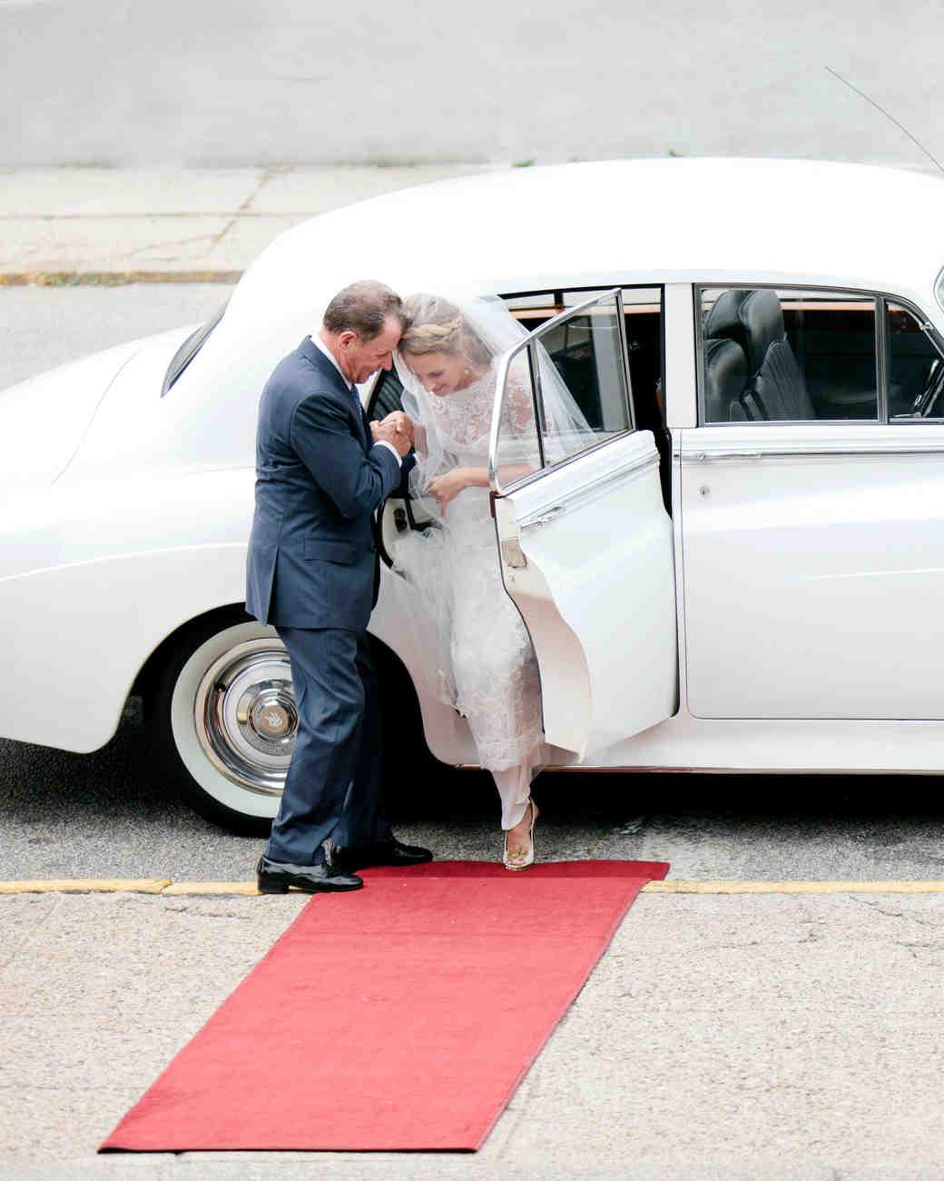 jola-tom-wedding-arriving-0614.jpg