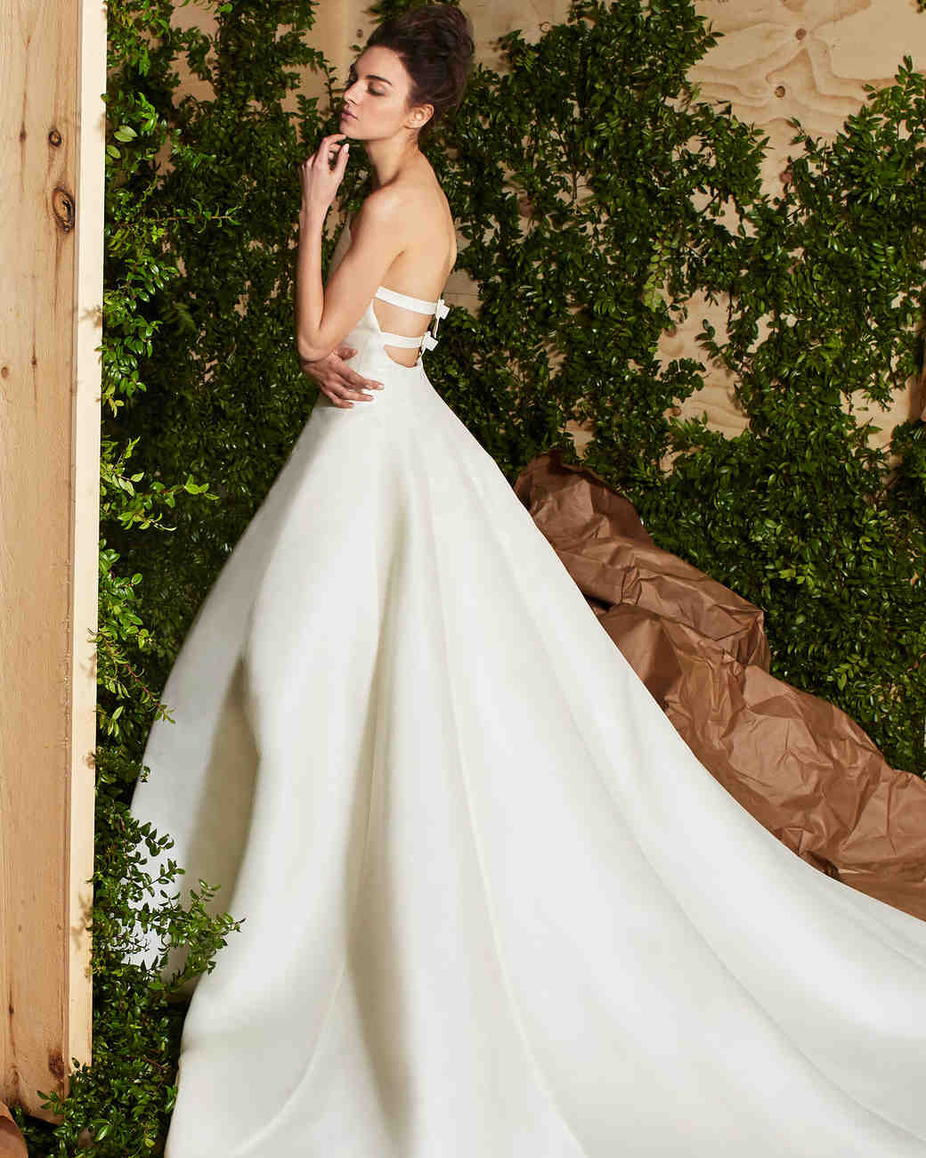 Marchesa Spring 2017 Wedding Dress Collection: Carolina Herrera Spring 2017 Wedding Dress Collection