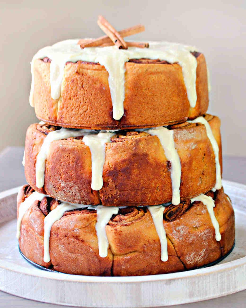 cinnamon-roll-wedding-cake-1015.jpg