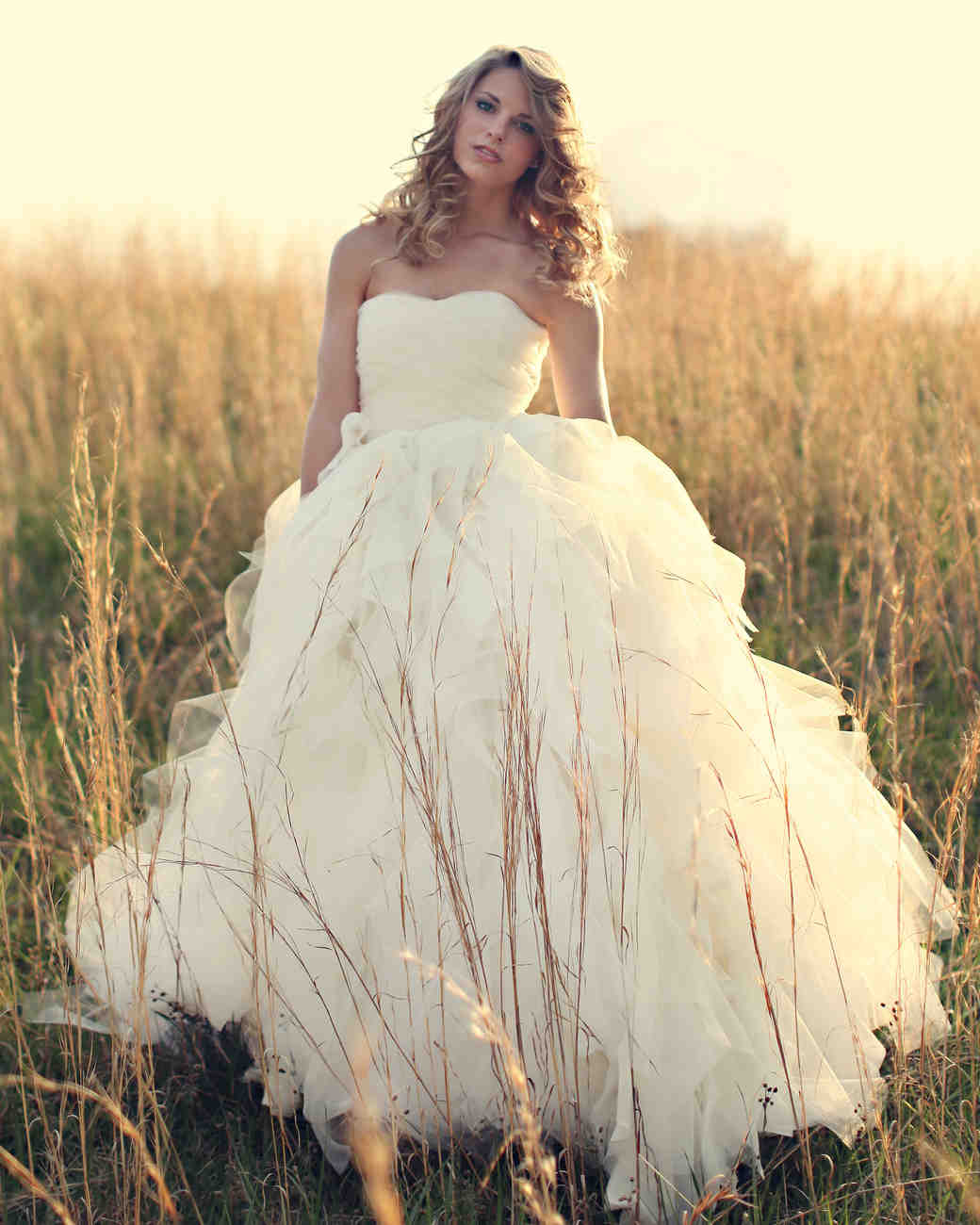 iconic-dresses-chaviano-couture.jpg