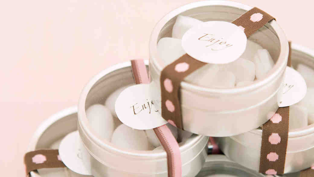6 Popular Wedding Favors (and Their Trendier Alternatives)