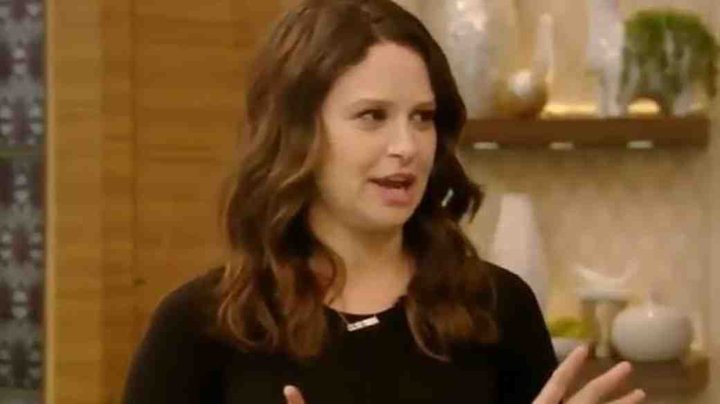 "Katie Lowes on ""Live! with Kelly"""
