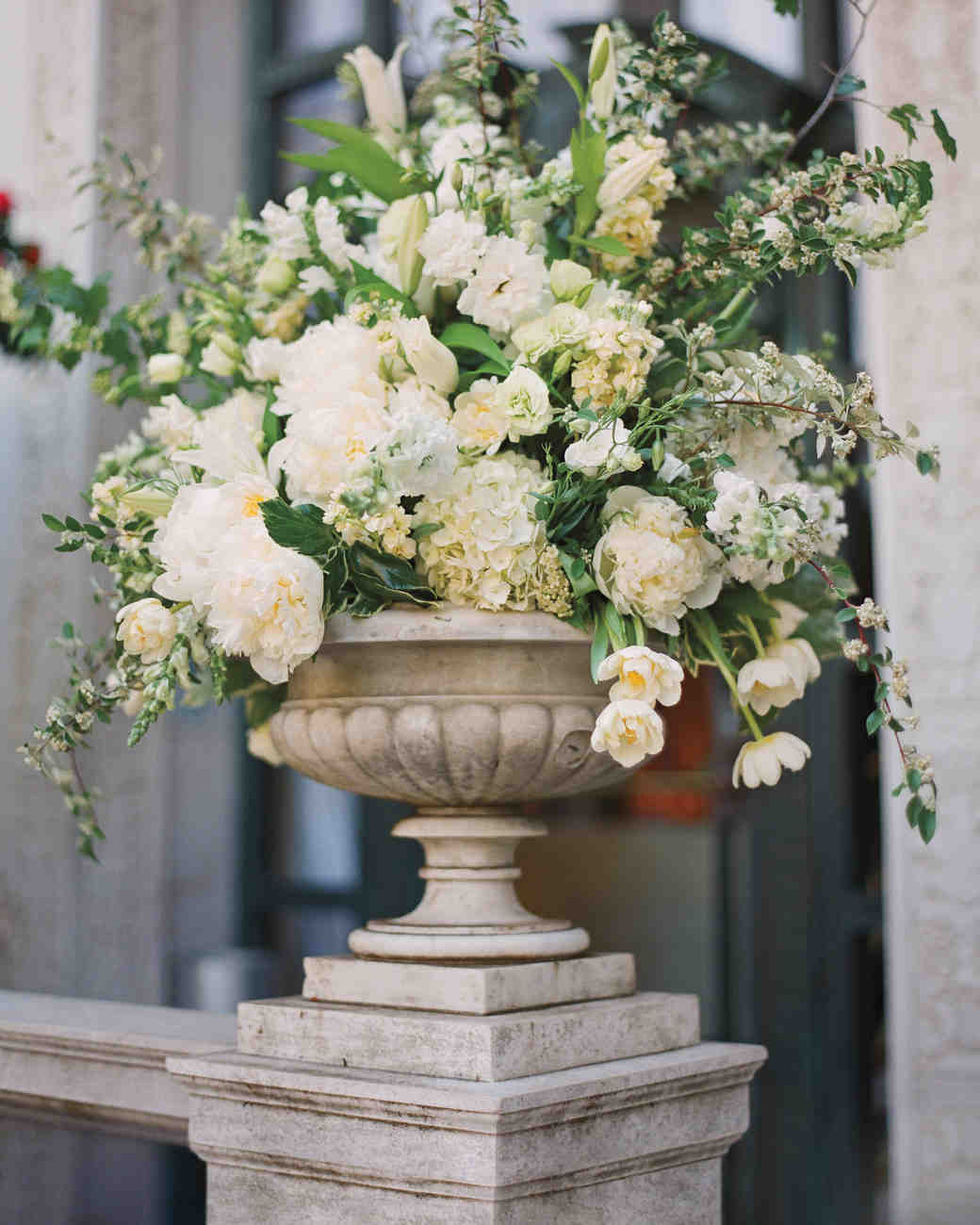 Flower Arrangement For Church Wedding: A Formal Ballroom Wedding In A Historic Mansion In San
