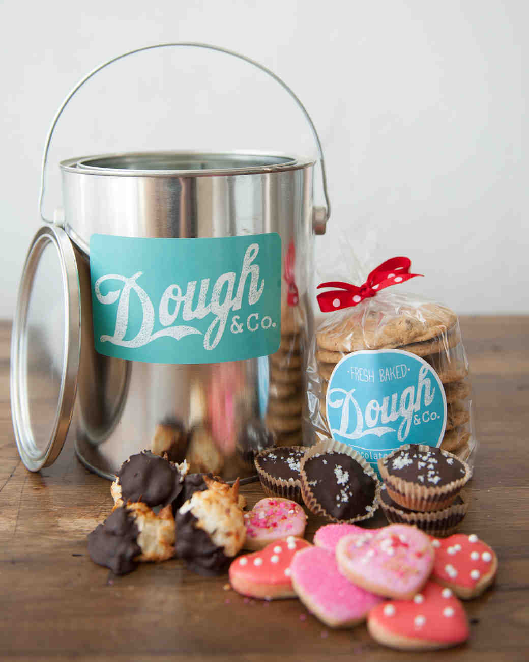 dough-and-co-valentines-pail-0214.jpg