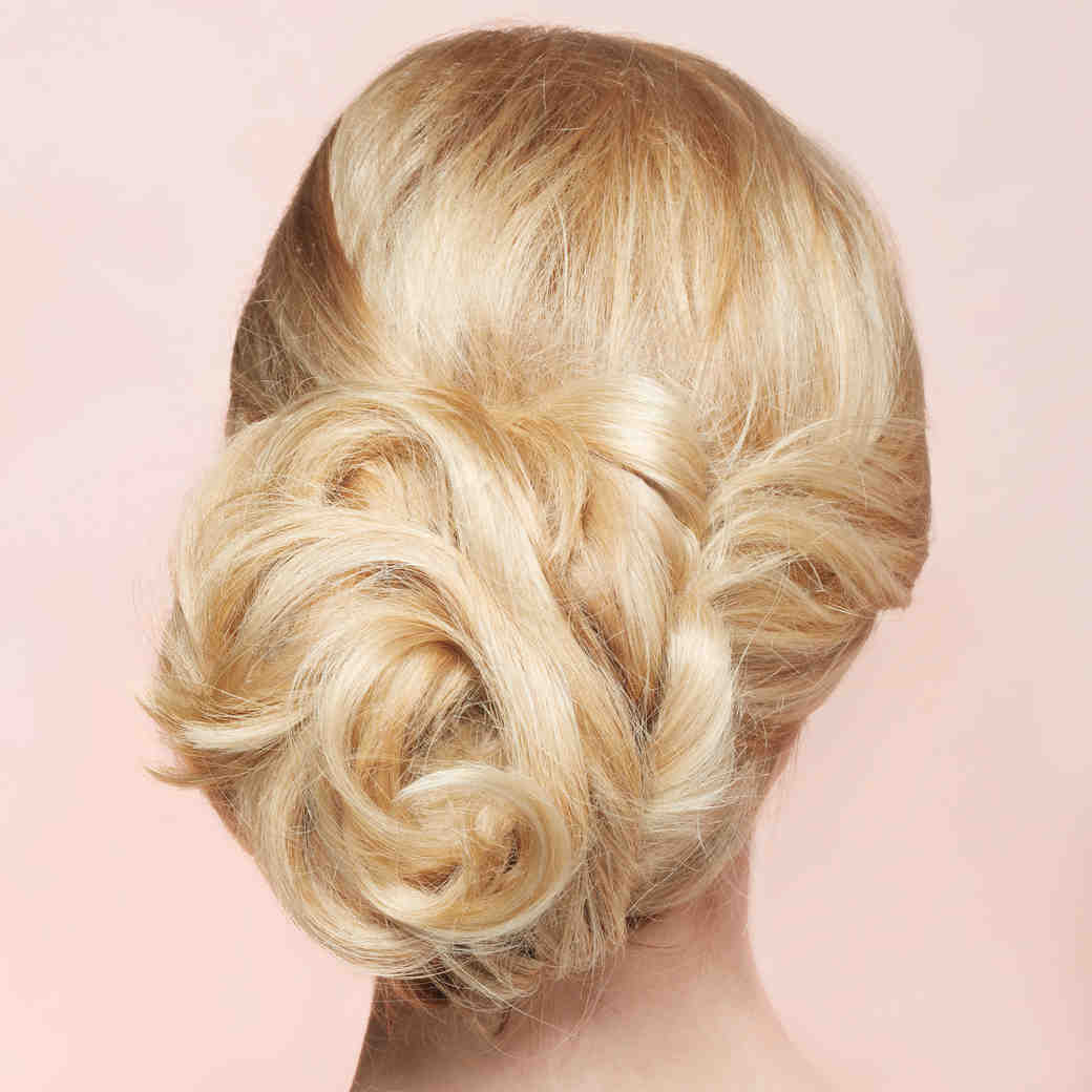 The Essential Guide to Mother-of-the-Bride Hairstyles
