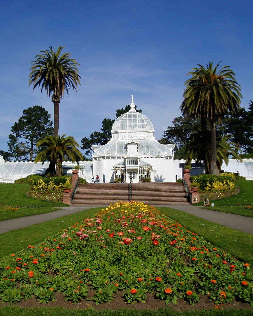 18 Beautiful Botanical Garden Wedding Venues