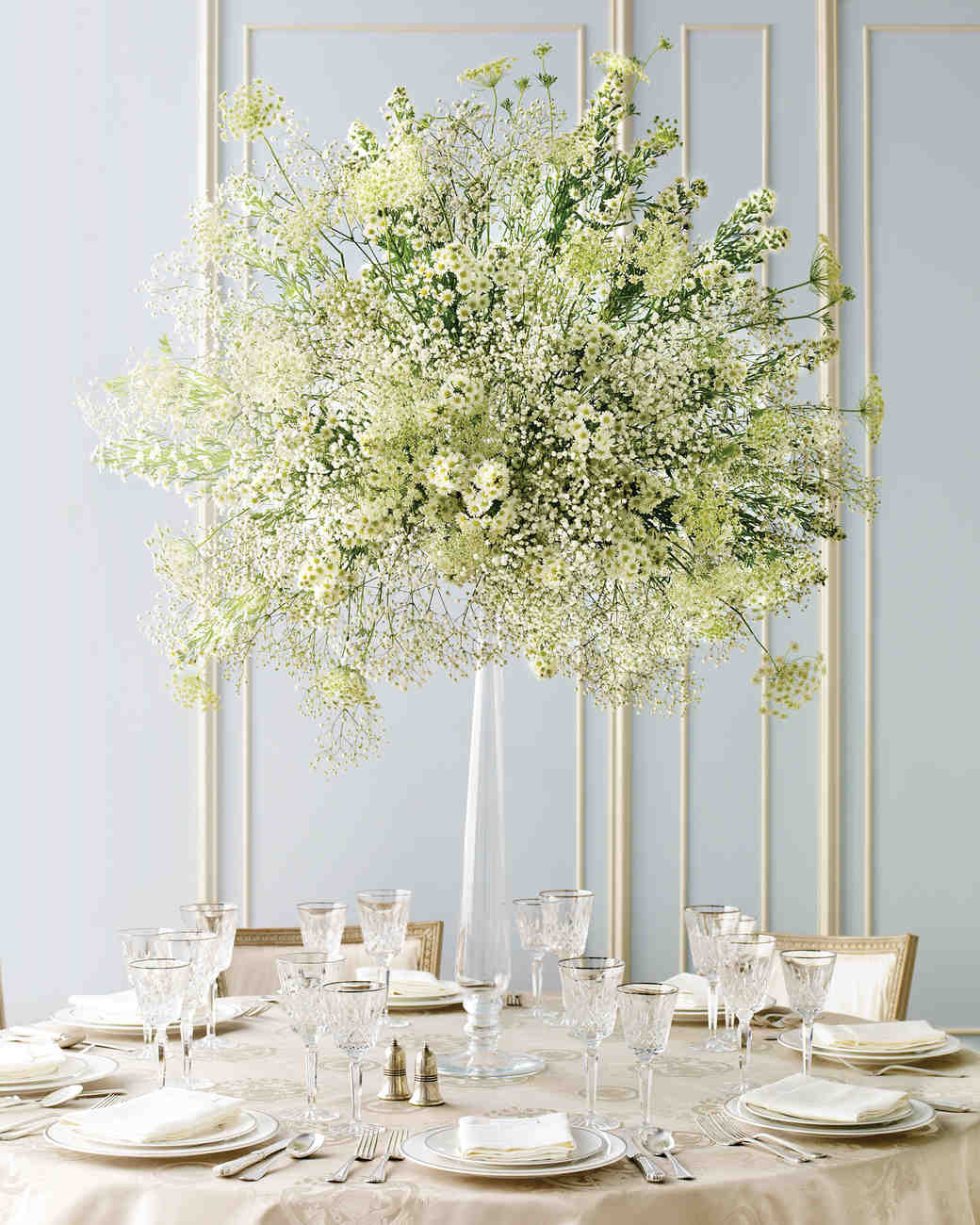 Elegant and inexpensive wedding flower ideas martha for Floral arrangements for wedding reception centerpieces