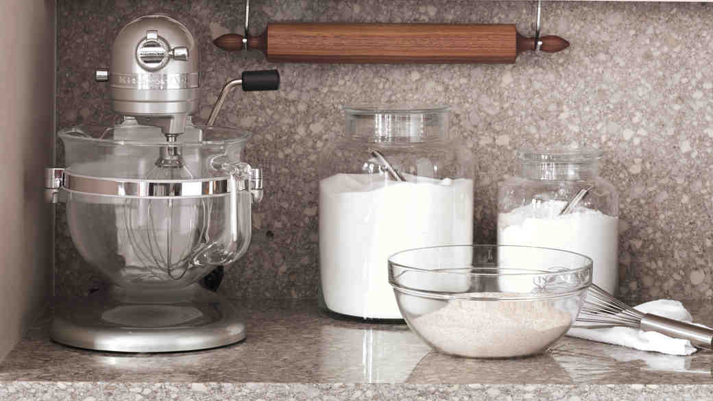 Wedding Gifts for the Best-In-Class Baker