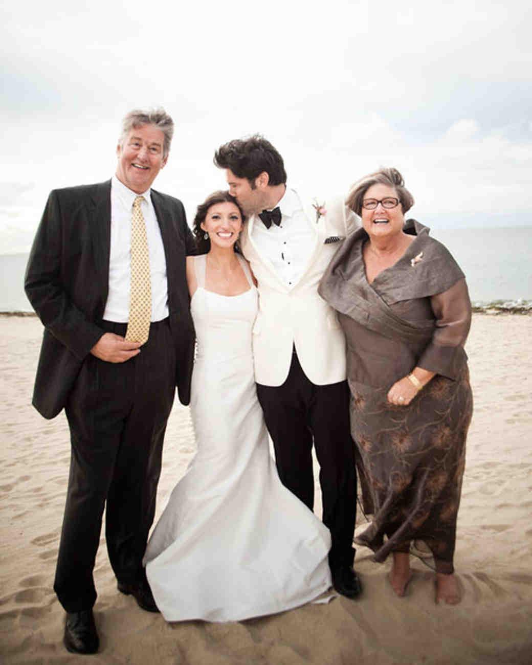 real-wedding-rose-gary-0411-family.jpg