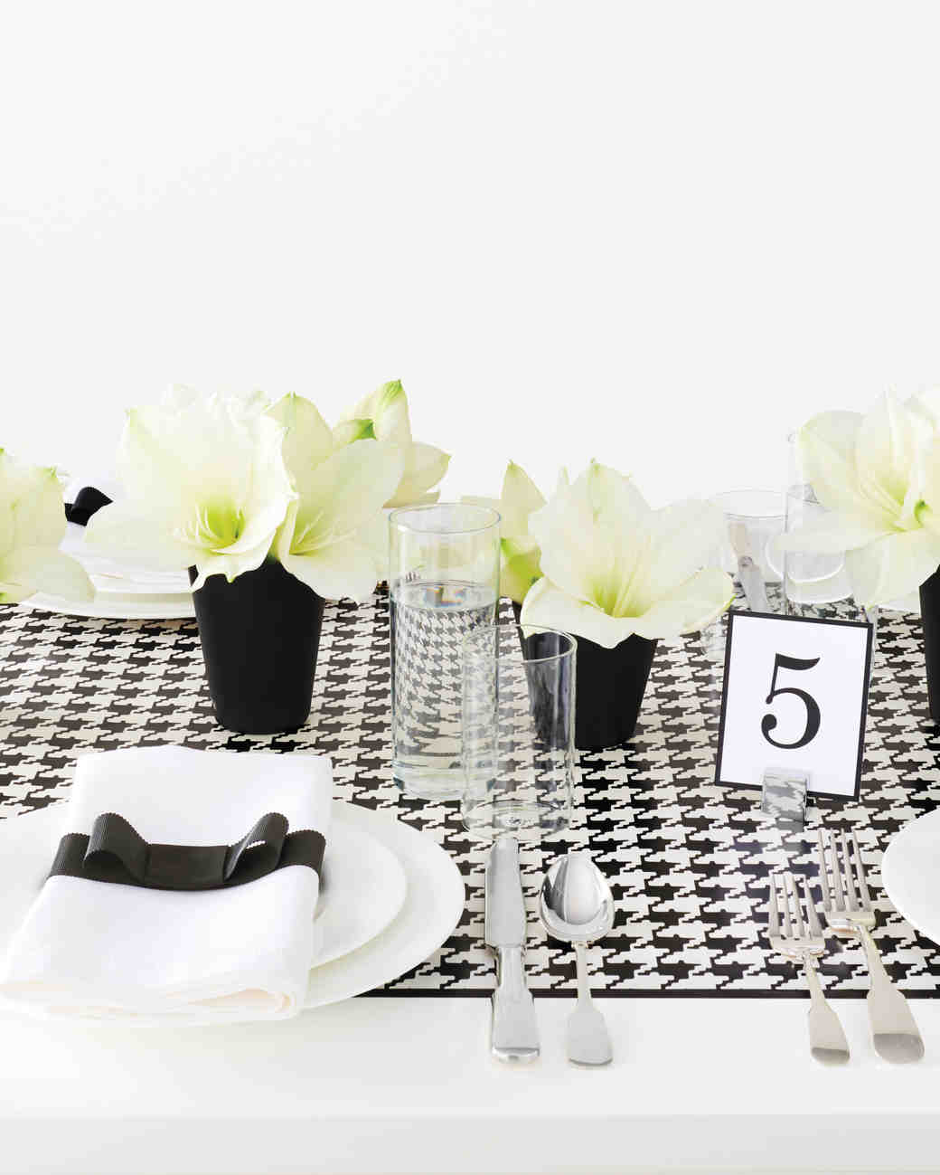 DIY Table Runners | Martha Stewart Weddings