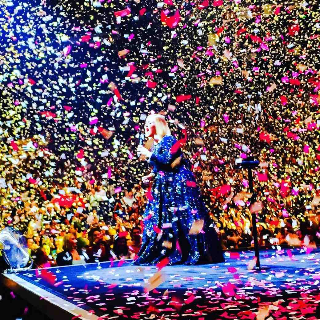 Two Fans Just Got Engaged at an Adele Concert!