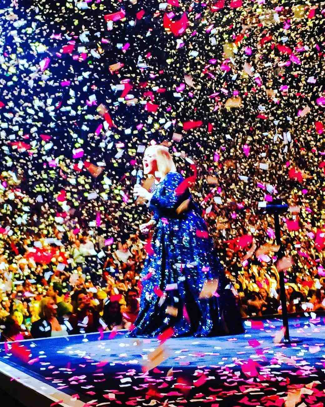 Adele's Boyfriend Replaced Confetti at Her Concert with Handwritten Love Notes