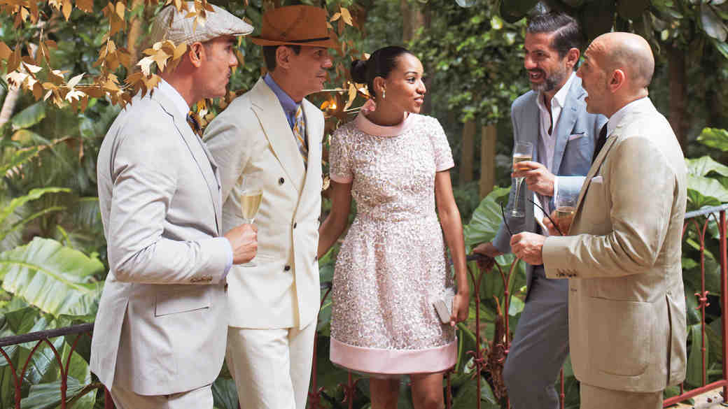 5 Ways to Avoid Having a Receiving Line at Your Wedding