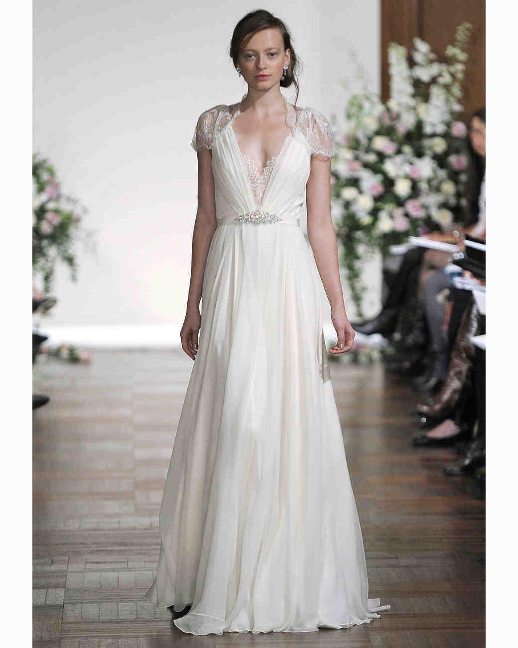 Jenny packham fall 2013 collection martha stewart weddings for Vera wang robes de mariage d hiver