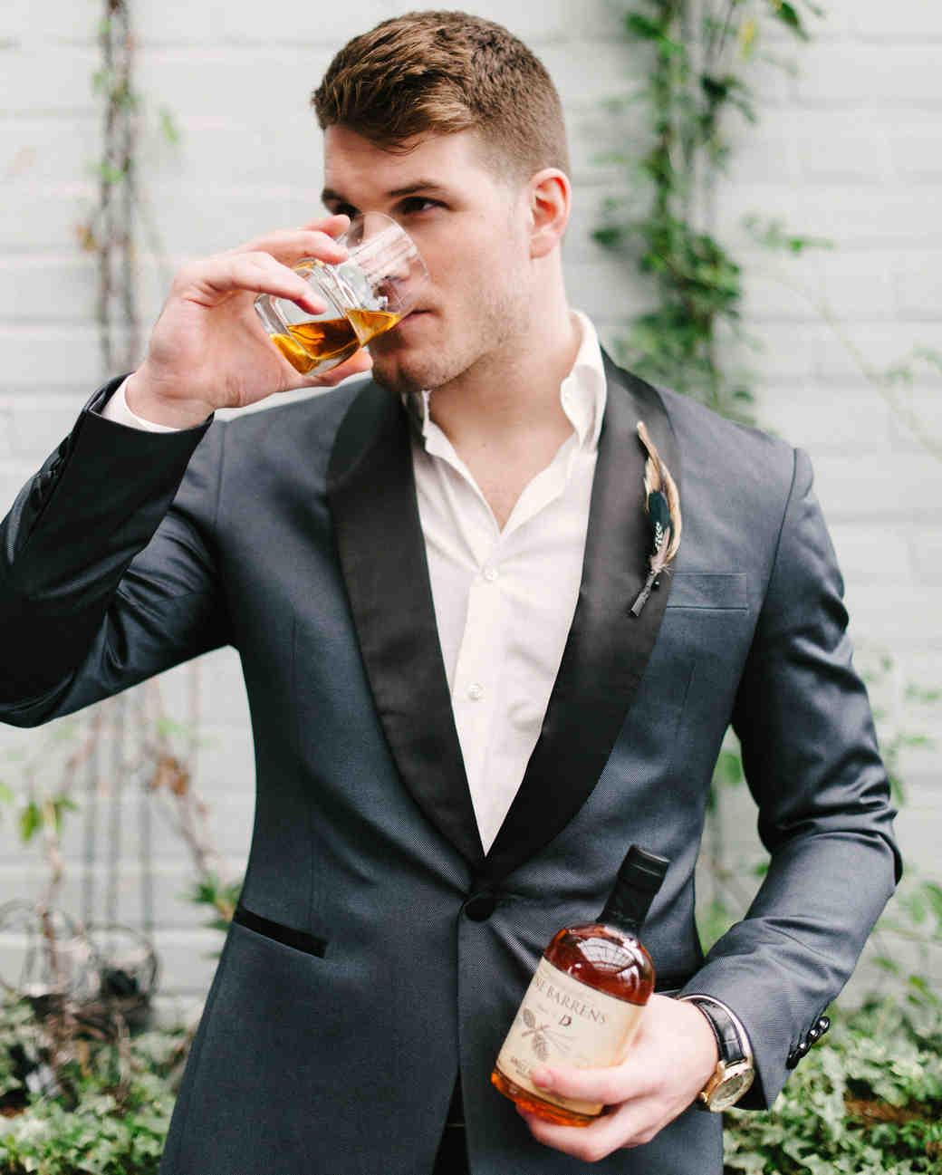 mens-getting-ready-guide-drink-0715.jpg