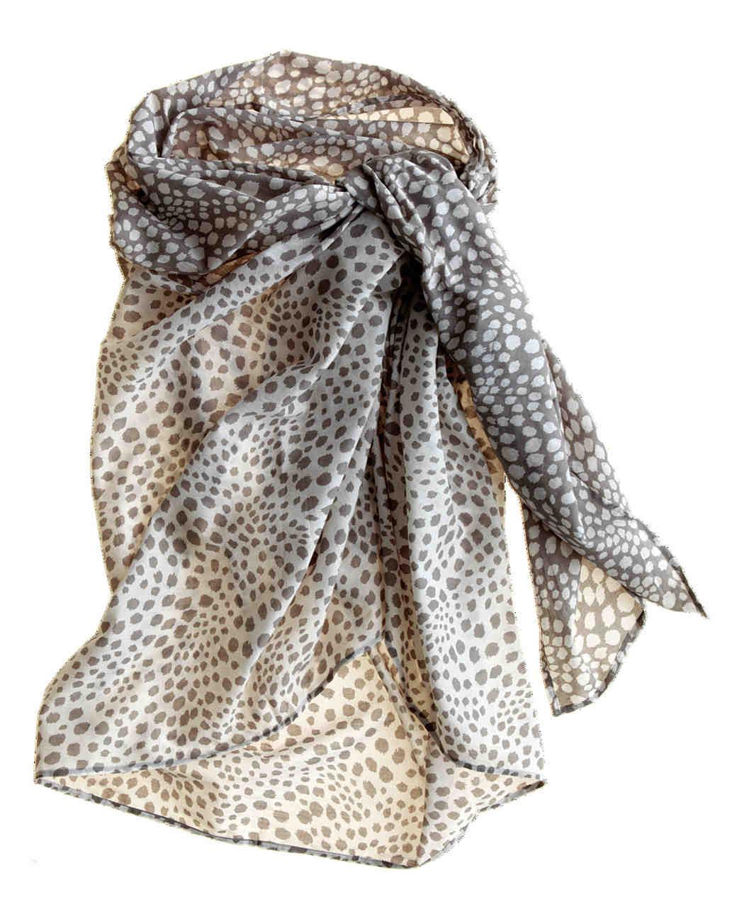 travel-accessories-sarong-mwd107604.jpg