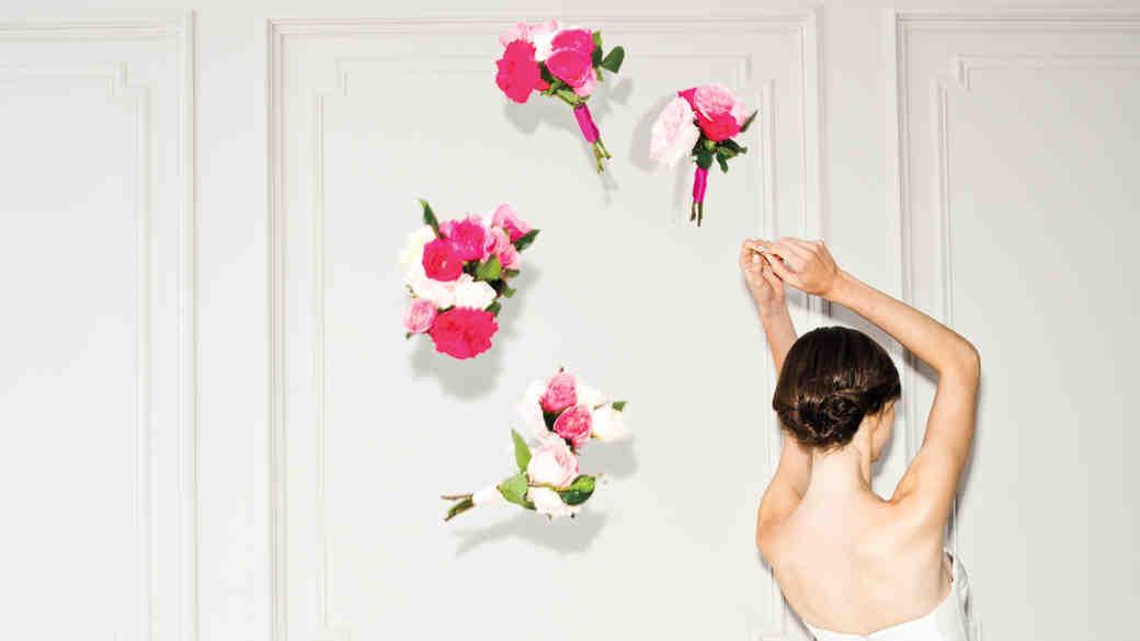 4 Bouquet Toss Stories Too Crazy to Believe