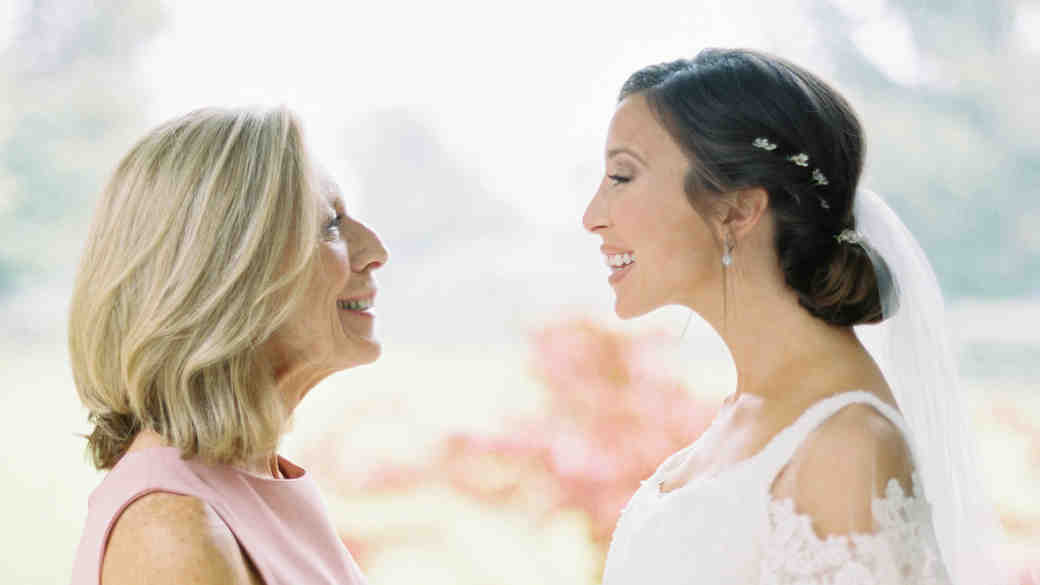 Every Wedding Photo You Need to Take with the Mother of the Bride