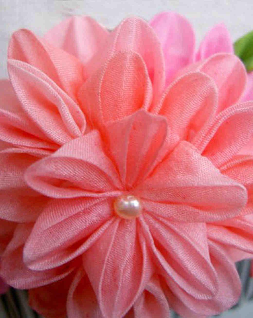 etsy_hanami_gallery_silk_flower_comb.jpg