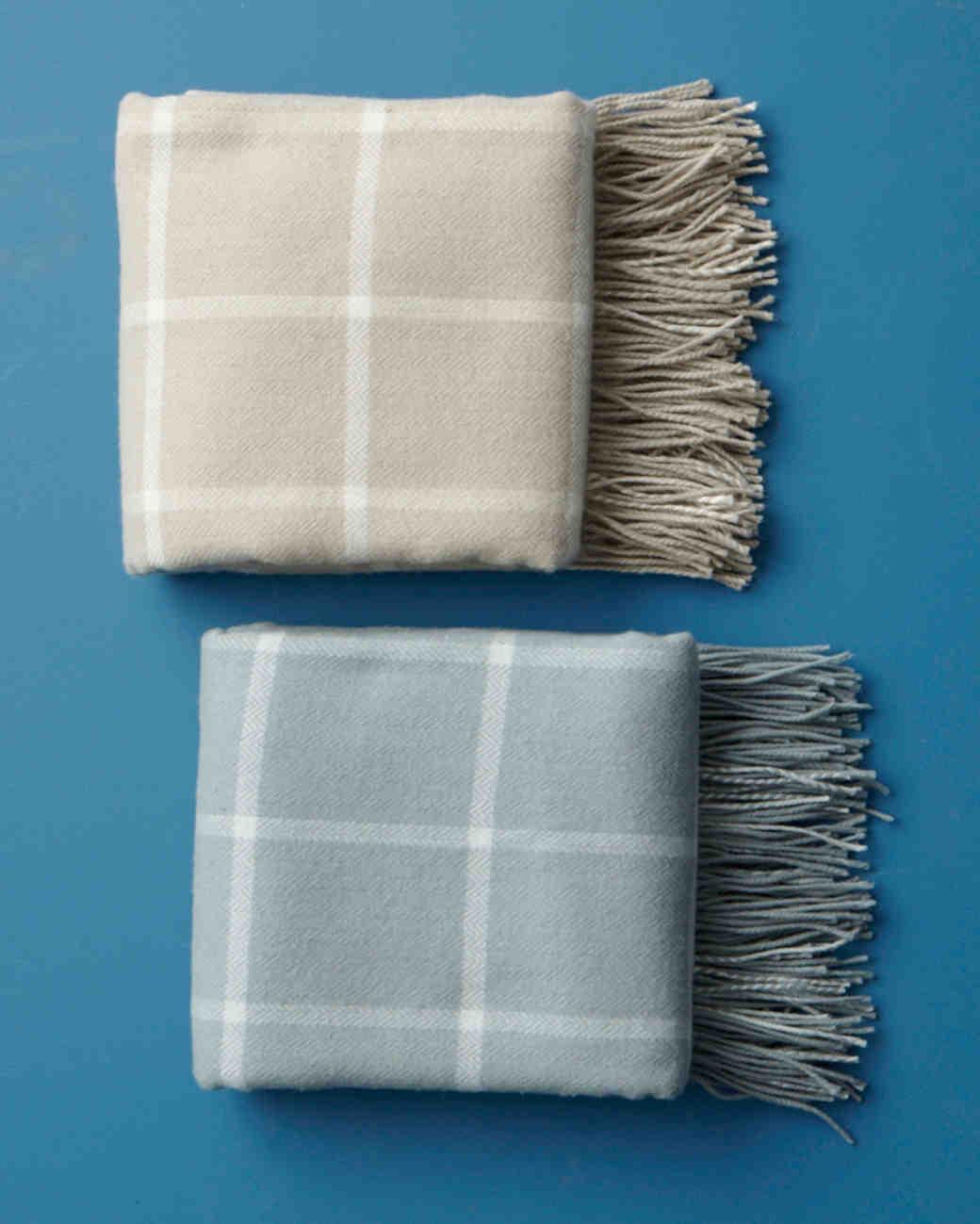 registry-gumps-blankets-001-wd108979.jpg