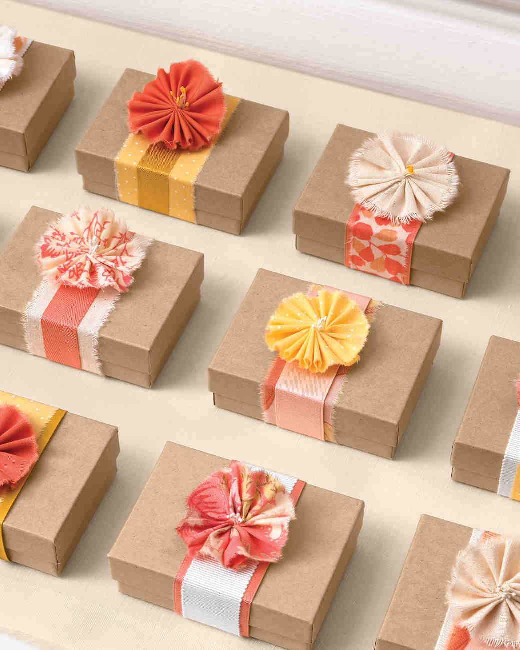 Small Gift For Wedding: 38 Wedding Favor Gift Wrapping Ideas To Steal
