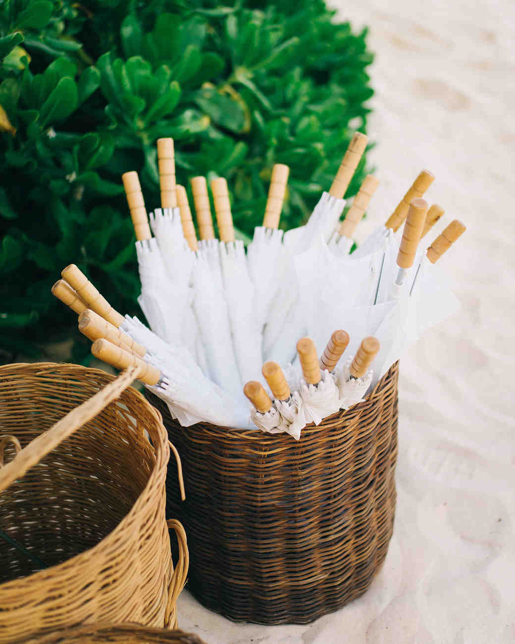 Umbrella wedding favors for an outdoor beach wedding