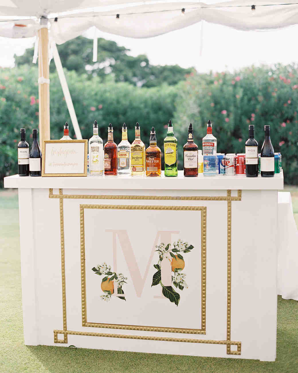 citrus-themed wedding bar