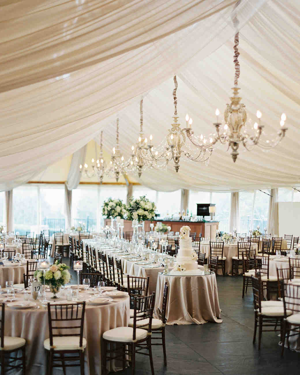 Tent decorating ideas to upgrade your wedding reception