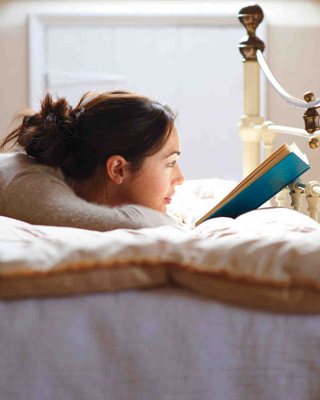 6 New Page-Turning Reads for Your Honeymoon