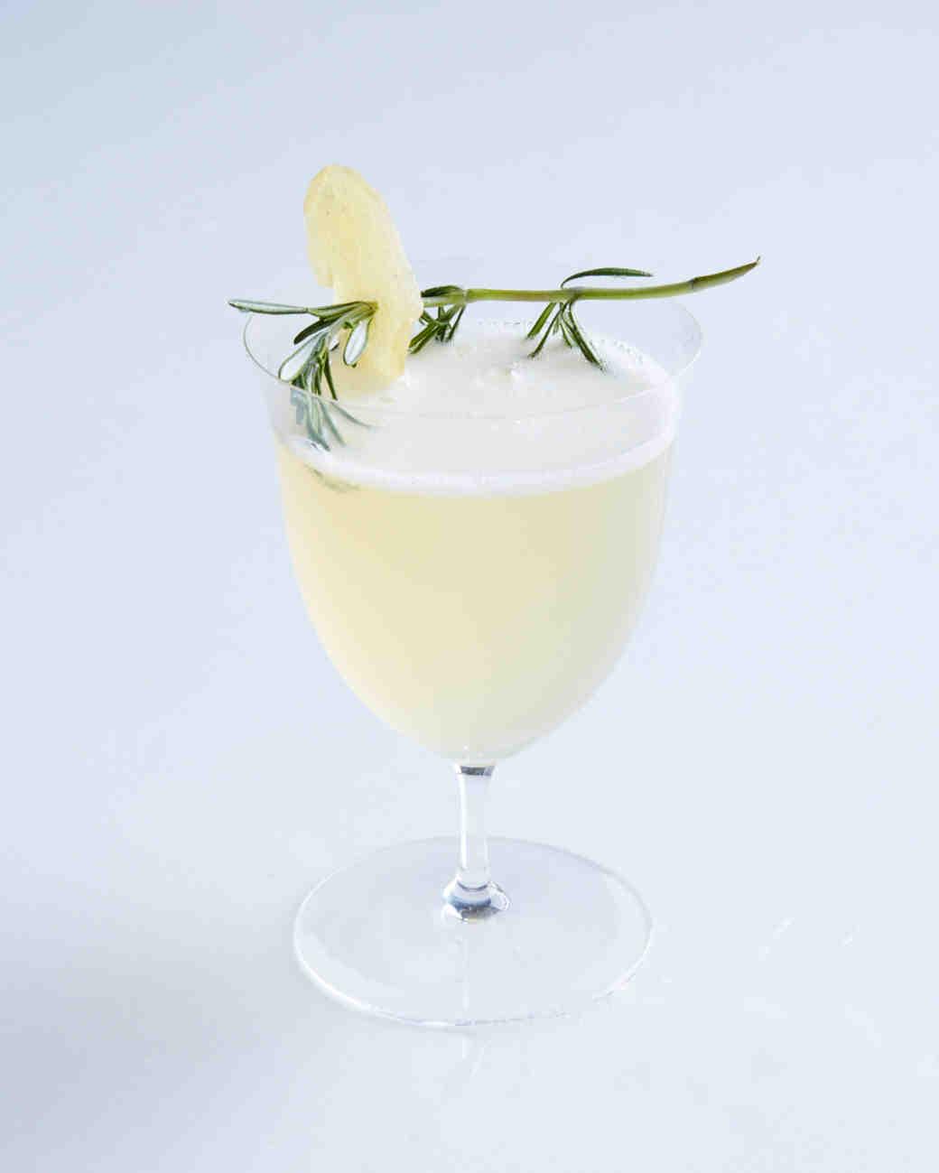 cocktail-pear-bellini-140-d111274-0814.jpg