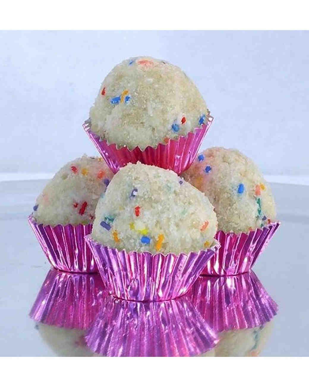 dessert-crazes-bday-cake-truffles-0316.jpg