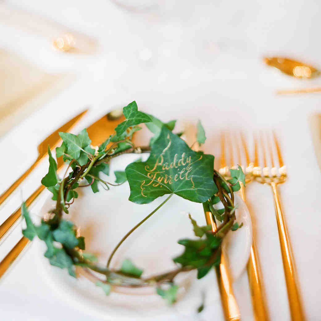 Table Cards and Place Cards: What's the Difference?