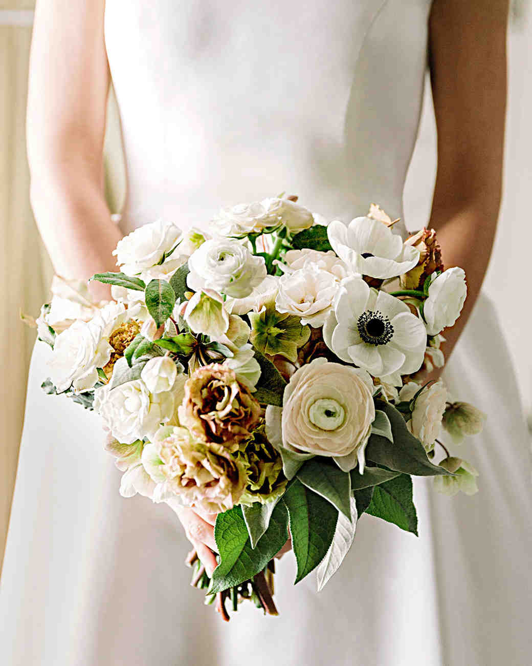 regina chris wedding bouquet