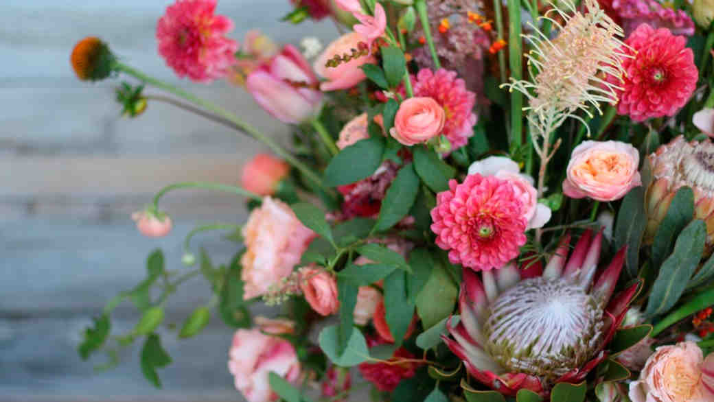 11 In-Season Flowers That Are Perfect for a Fall Wedding