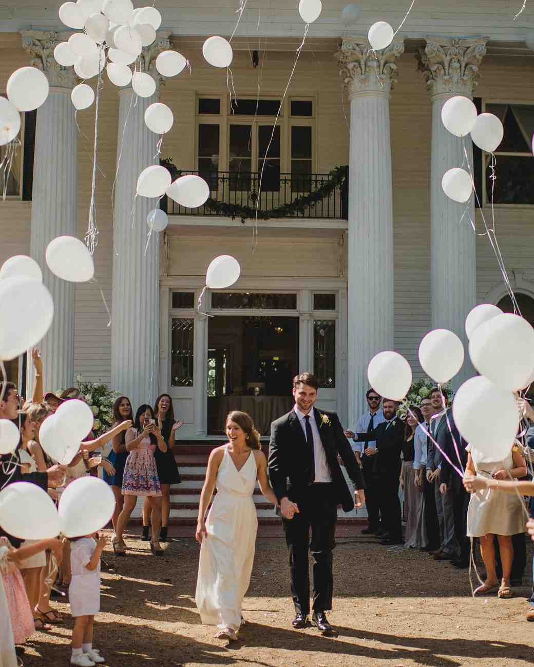 wedding-brunch-ideas-balloon-exit-0416.jpg