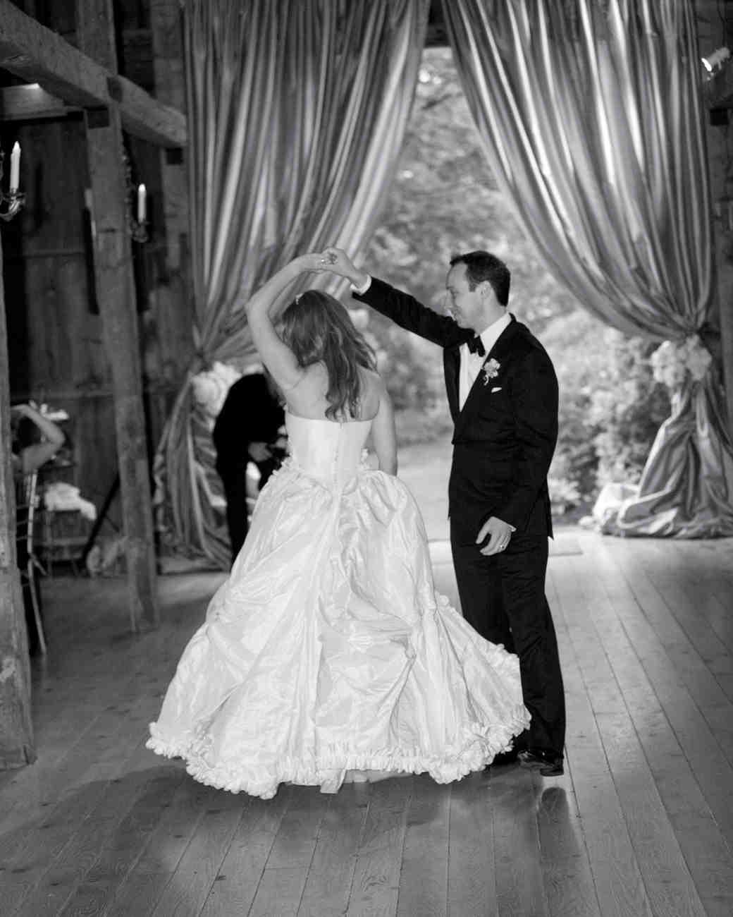 wedding-cover-bands-debbie-reifer-0814.jpg