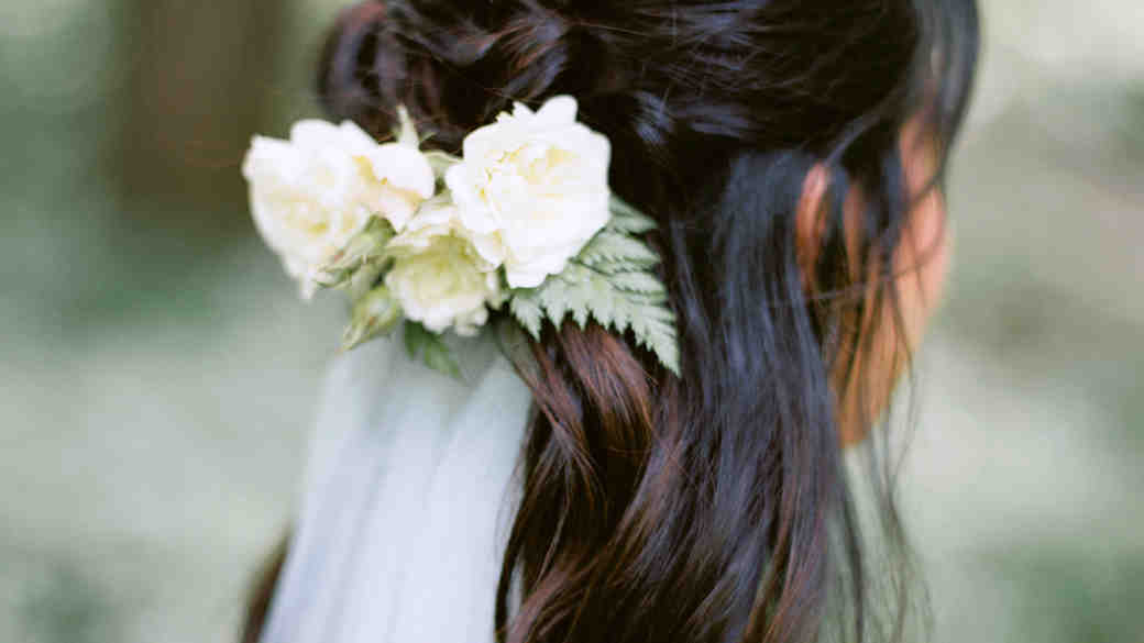 How to Tame Frizzy Hair Before Your Wedding